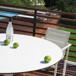 skiff-modern-outdoor-large-cafe-table-detail