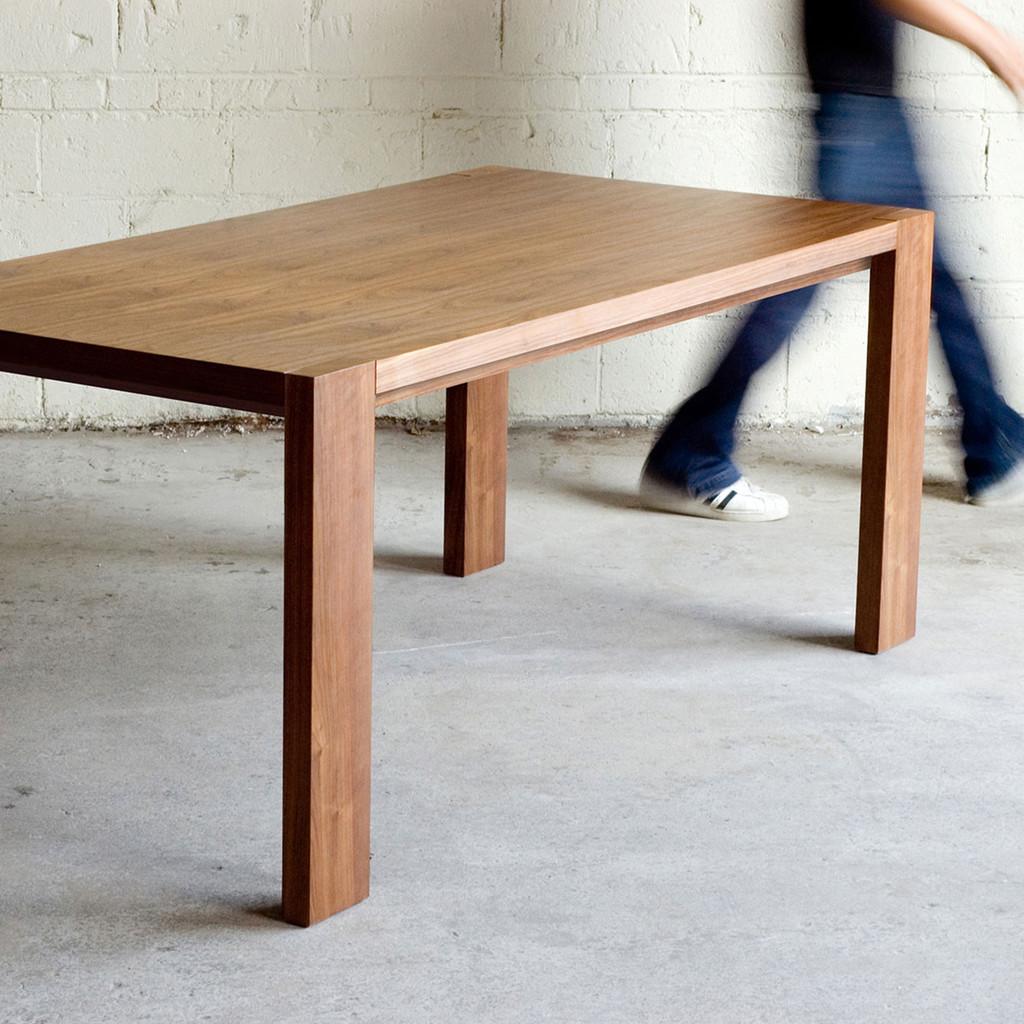 Gus modern plank table